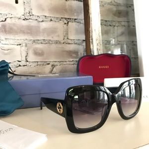 Gucci NWT Oversized Sunglasses BLACK & GOLD